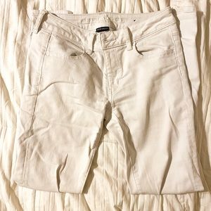 White American Eagle Skinny Jeans Perfect